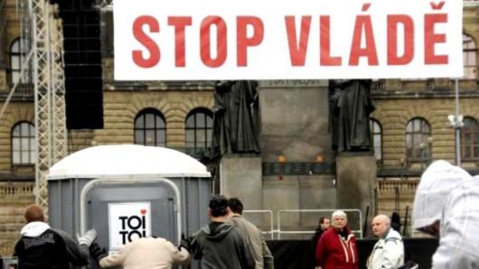 Příprava demonstrace odborů na Václavském náměstí